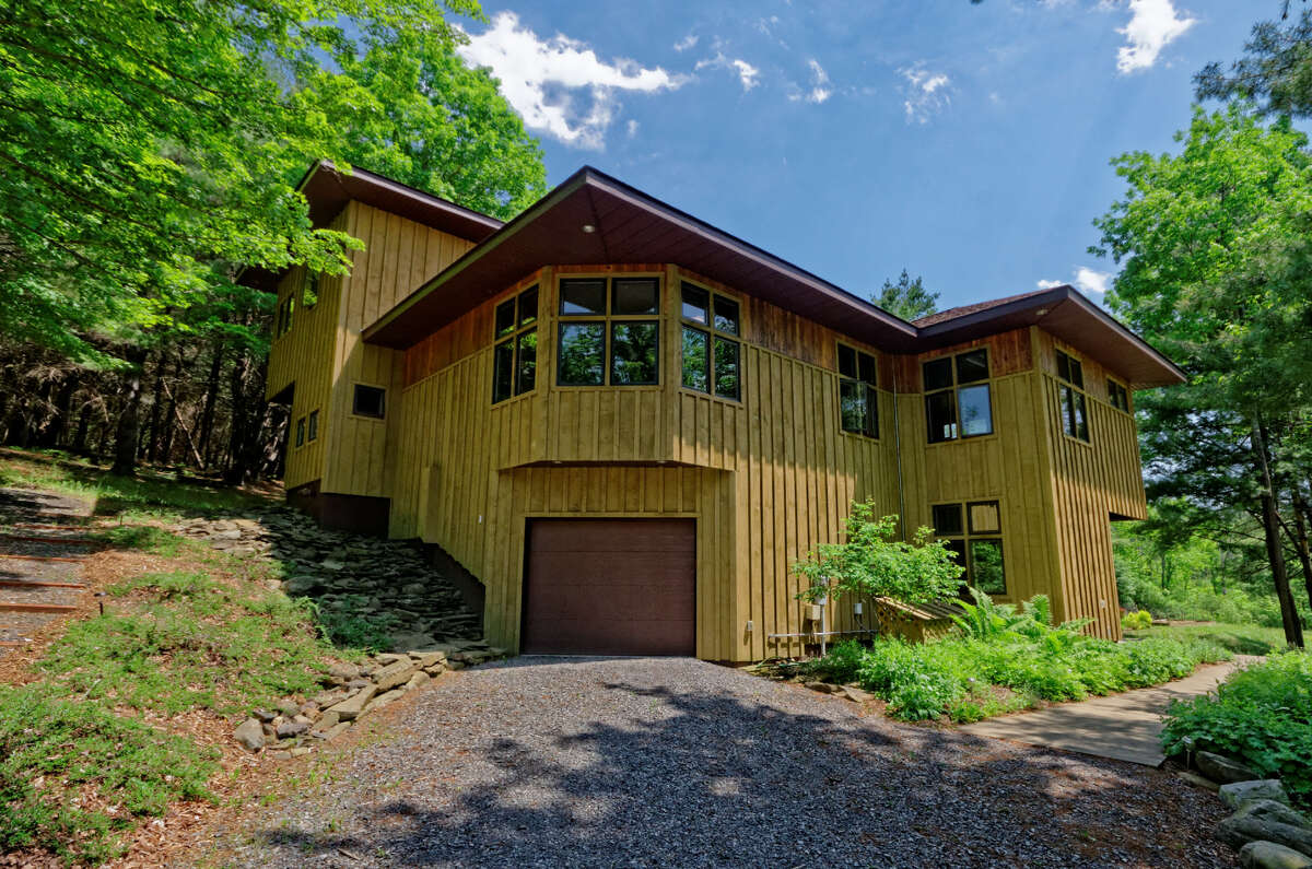 House of the Week: 1246 Switzkill Road, Berne   Realtor: Michelle Curran of RealtyUSA   Discuss: Talk about this house