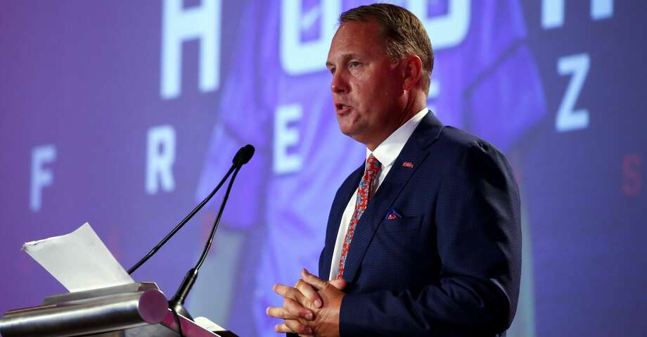 Ole Miss coach Hugh Freeze resigns; report cites link to escort service