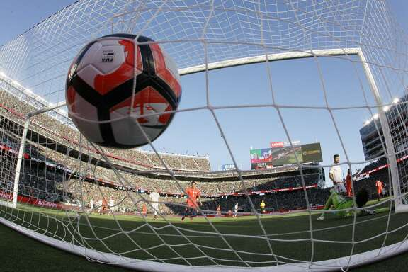 The Bay Area got a taste of international soccer last year when Mexico met Chile in the Copa America at Levi's Stadium. Now, two of the world's top club teams are preparing to meet there.