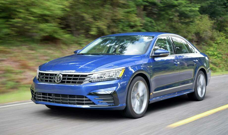The 2017 R-Line is positioned as the sportiest Passat and gets its own rocker panels, front bumper with contrasting black accents and a modified rear diffuser. Photo: Volkswagen / 2015 Daniel Byrne daniel@danielbyrne.com Tel:917-509-9476