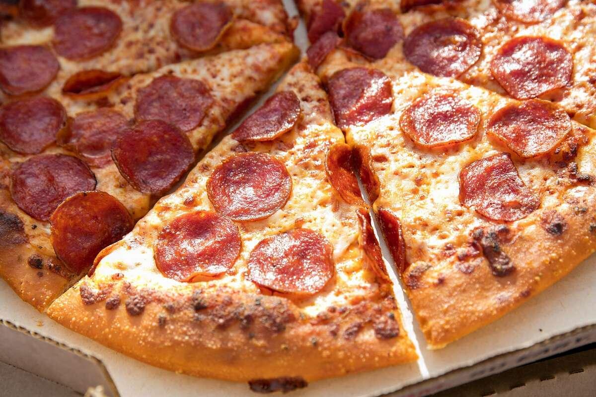 Pizza Hut 4821 San Bernardo Inspected: 9/7/17