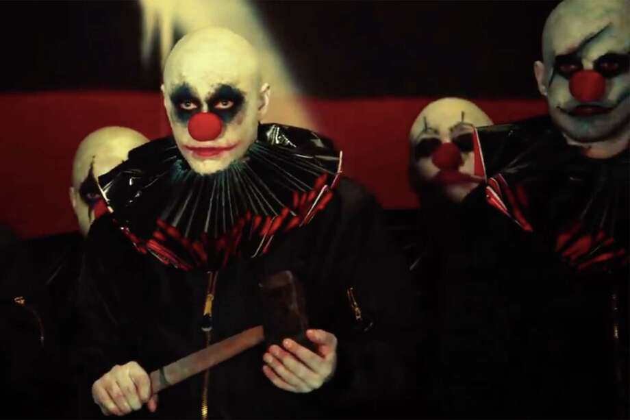 'American Horror Story: Cult' capitalizes on our disdain for holes