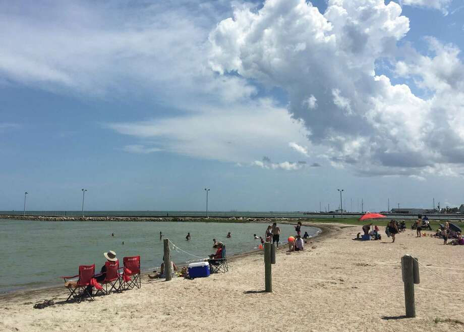 Aransas County officials have extended the vehicular traffic closure for Rockport beach until Aug. 17, according to an order issued on Wednesday. Photo: Maxwell Bauserman /