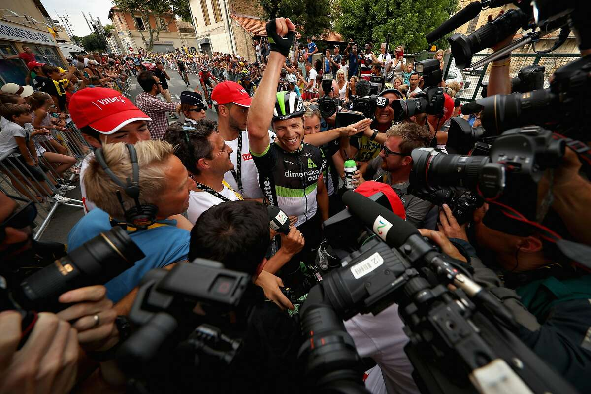 SALON-DE-PROVENCE, FRANCE - JULY 21: Stage winner Edvald Boasson Hagen of Norway riding for Team Dimension Data celebrates after stage nineteen of the 2017 Tour de France, a 222.5km stage from Embrun to Salon-de-Provence on July 21, 2017 in Salon-de-Provence, France. (Photo by Chris Graythen/Getty Images)