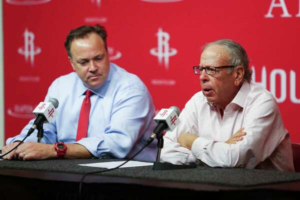 Houston Rockets owner Leslie Alexander, right, sits next to CEO Tad Brown, left, as he gives four million dollars to local charities Monday, March 27, 2017 in Houston. ( Michael Ciaglo / Houston Chronicle)