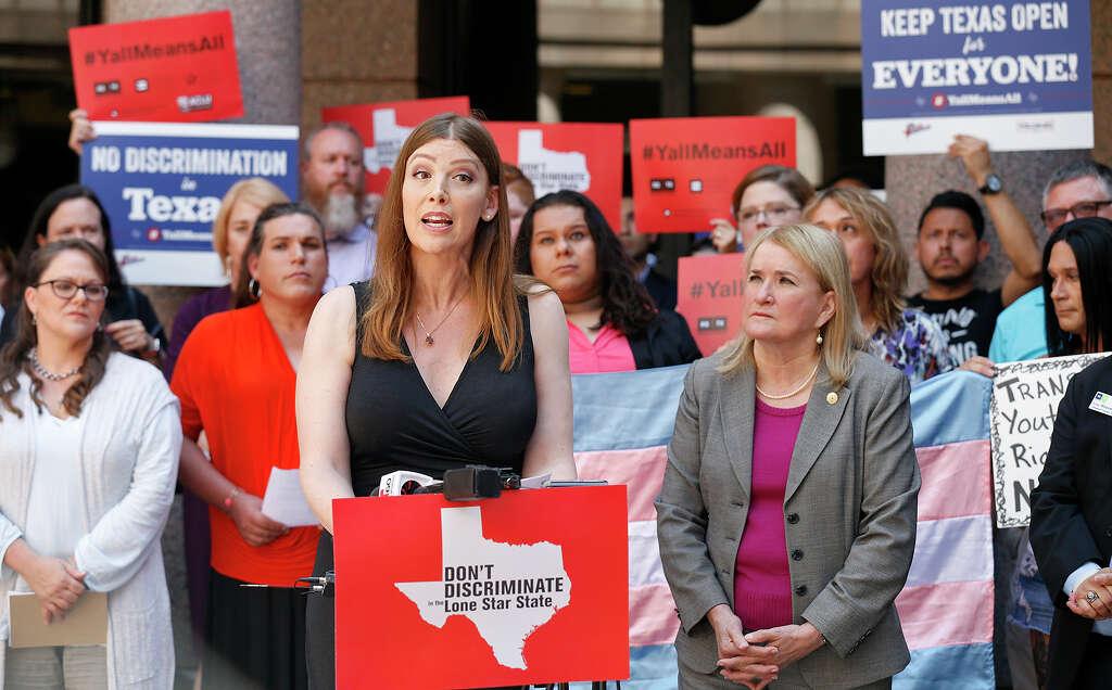 Bathroom Bill Texas bathroom bill wins key vote in texas senate - houston chronicle