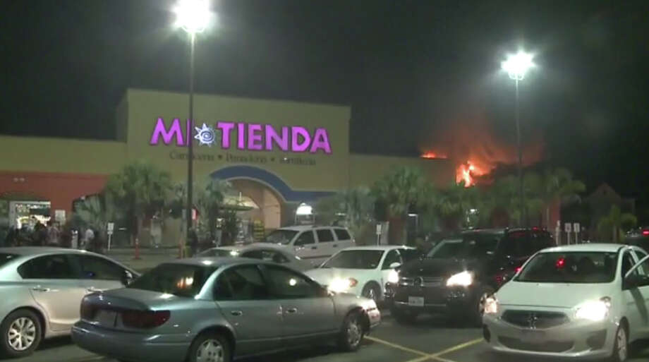 Pasadena grocery store goes up in flames Laredo Morning