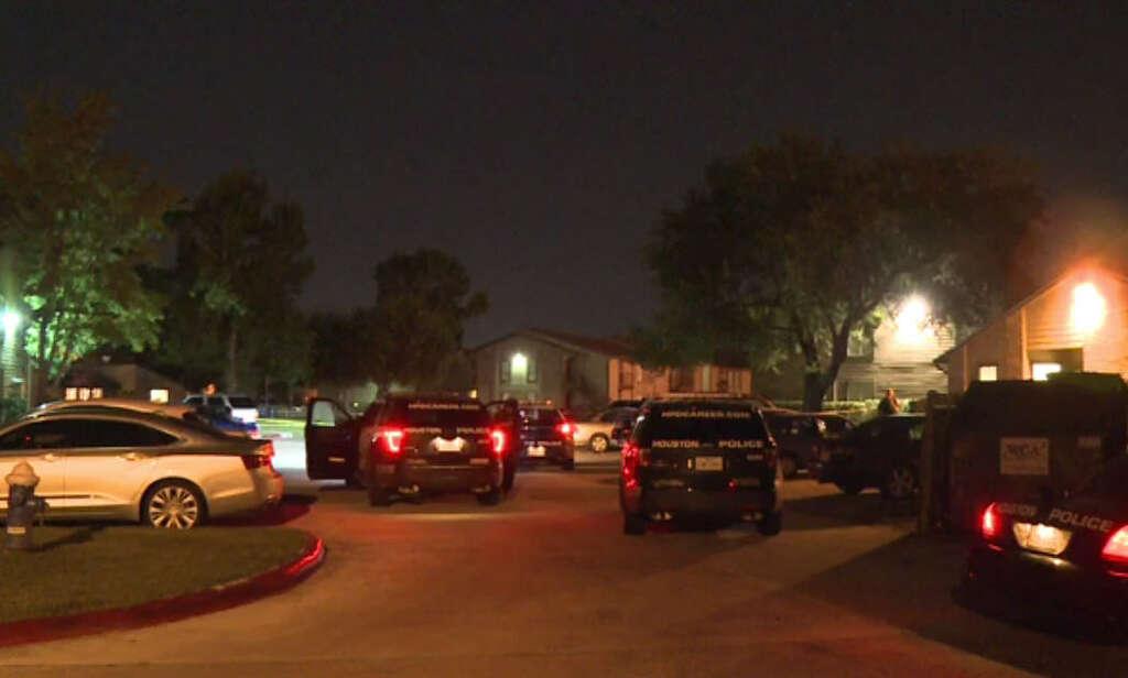 Carjacking victim found shot in parking lot - Houston Chronicle