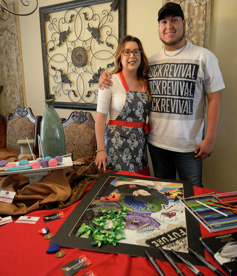 Siblings Jaime A. Spencer and Sandra Meza produces handmade signs, art and baked goods from a home-based business July 22, 2017. James Durbin/Reporter-Telegram Photo: James Durbin
