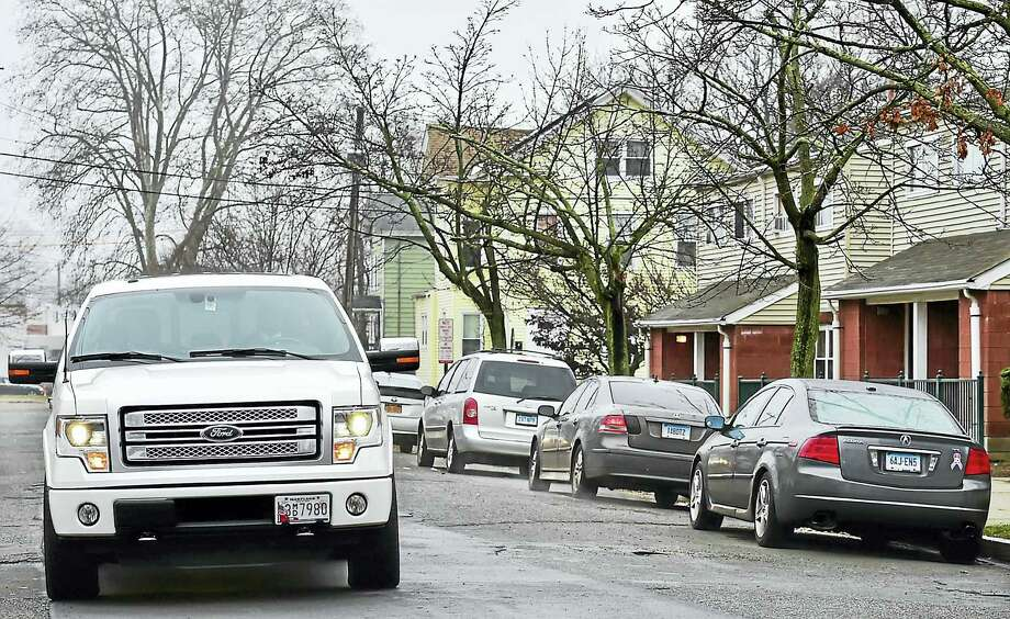 Limited curbside parking on Waverly Street in New Haven Wednesday. (Catherine Avalone — New Haven Register) Photo: Journal Register Co. / New Haven RegisterThe Middletown Press