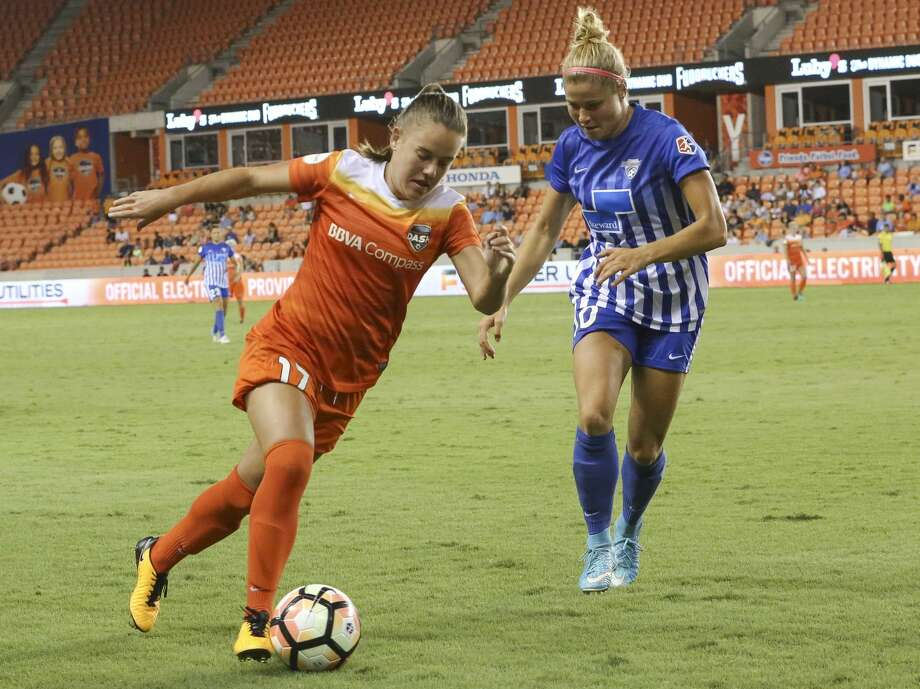 Brazilian midfielder Andressinha had three goals and four assists the last two seasons for the Dash. She was traded to Portland on Friday. Photo: Yi-Chin Lee/Houston Chronicle