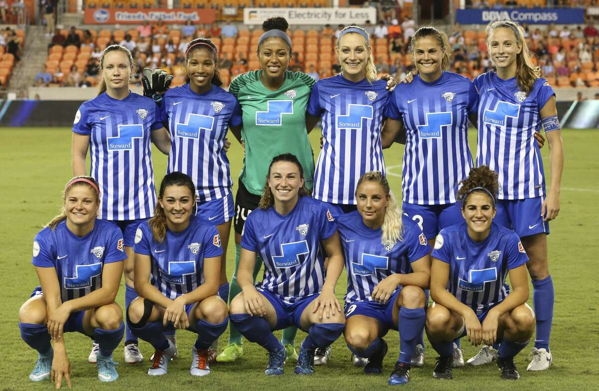 Boston Breakers starting XI pose for a photo before the game against the Houston Dash at BBVA Compass Stadium Saturday, July 22, 2017, in Houston. ( Yi-Chin Lee / Houston Chronicle )
