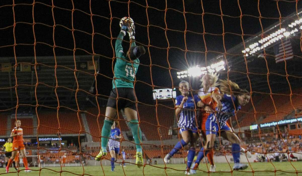 Houston Dash forward Rachel Daly (3) is denied by Boston Breakers players for an attempt to put the ball into the net during the first half of the game at BBVA Compass Stadium Saturday, July 22, 2017, in Houston. ( Yi-Chin Lee / Houston Chronicle )