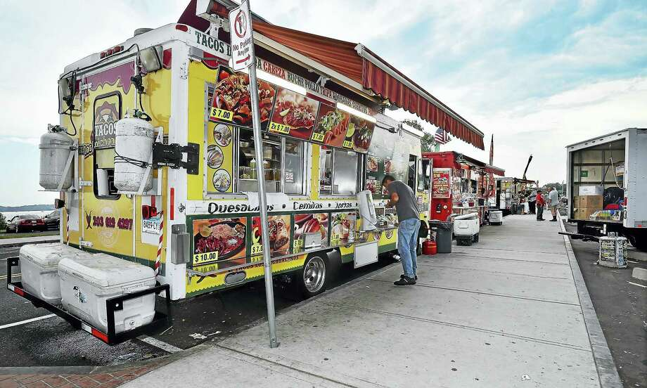 New Haven's new food vending laws will take effect today, Saturday, July 1, 2017, establishing four major food vending districts, including Food Truck Paradise at Long Wharf. Photo: Catherine Avalone / Hearst Connecticut Media   / Catherine Avalone/New Haven Register