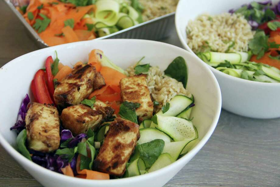 Thai peanut veggie and tofu bowl Photo: Melissa D'Arabian Via AP   / Melissa d'Arabian
