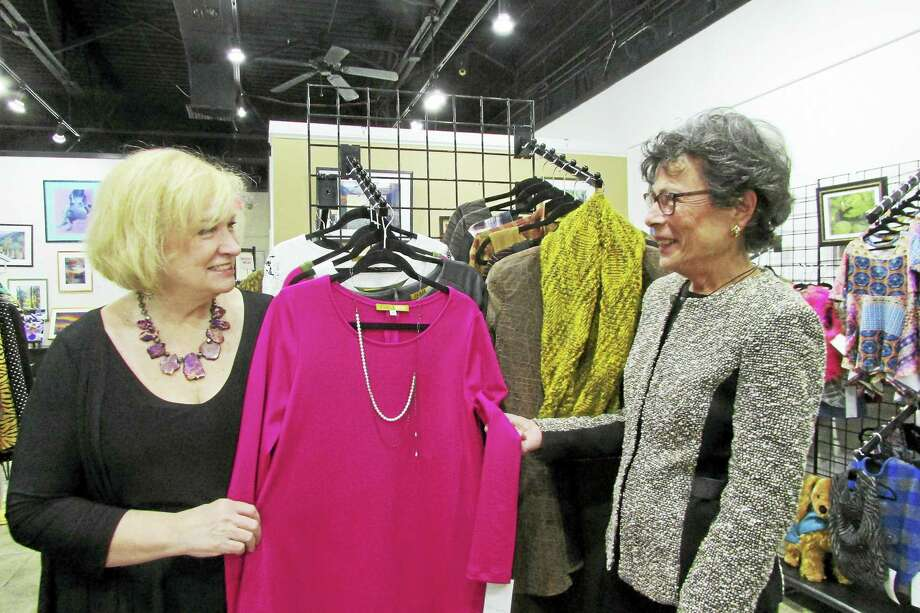 Pamela Hirth Designs owner Pamela Hirth and Woodbridge First Selectman Ellen Scalettar. Photo: CONTRIBUTED PHOTO