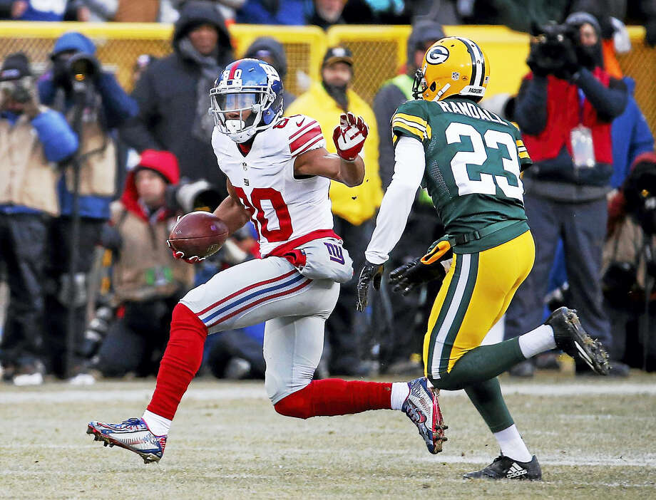 Wide receiver Victor Cruz (80) has signed a one-year deal with the Bears. Photo: The Associated Press File Photo   / FR155603 AP