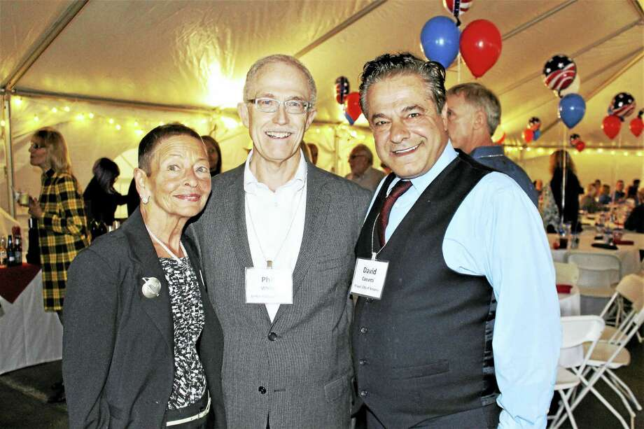 From left, Lindy Lee Gold of state Department of Economic and Community Development, Better Packages CEO Phil White and Ansonia Mayor David Cassetti. Photo: JEAN FALBO-SOSNOVICH — NEW HAVEN REGISTER