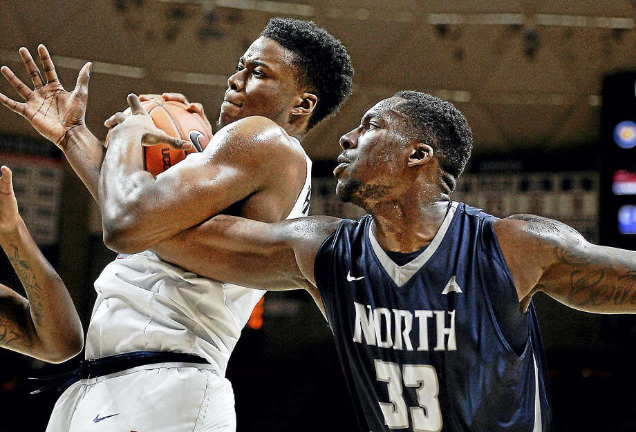 UConn's Steven Enoch, left, is reportedly seeking to transfer. Photo: The Associated Press File Photo   / AP2016