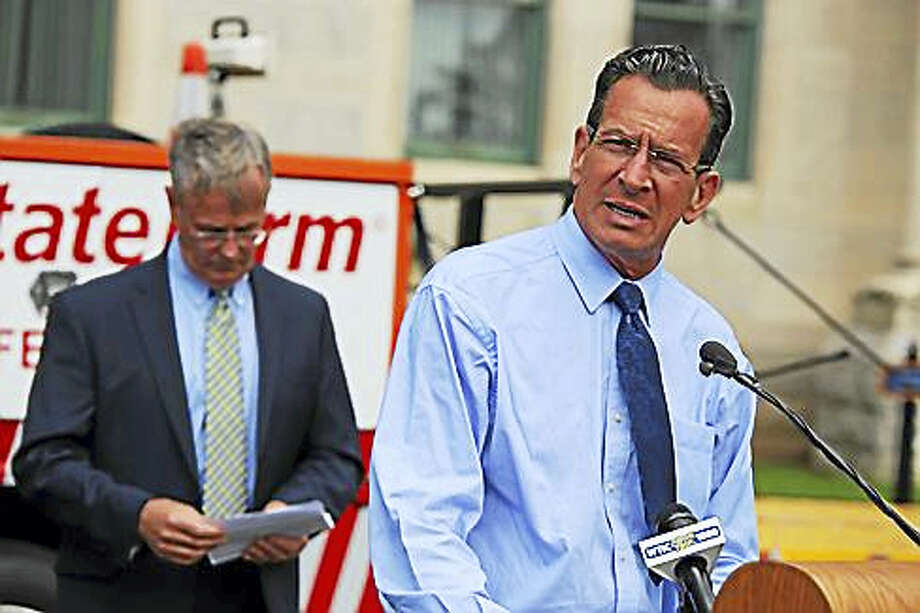 Gov. Dannel P. Malloy and DOT Commissioner James Redeker. Photo: Christine Stuart — Ctnewsjunkie
