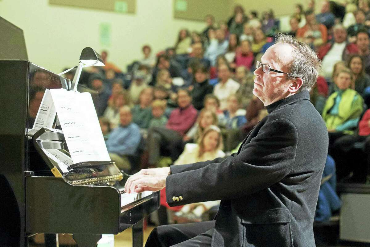 New Haven Symphony Orchestra pianist William Braun.