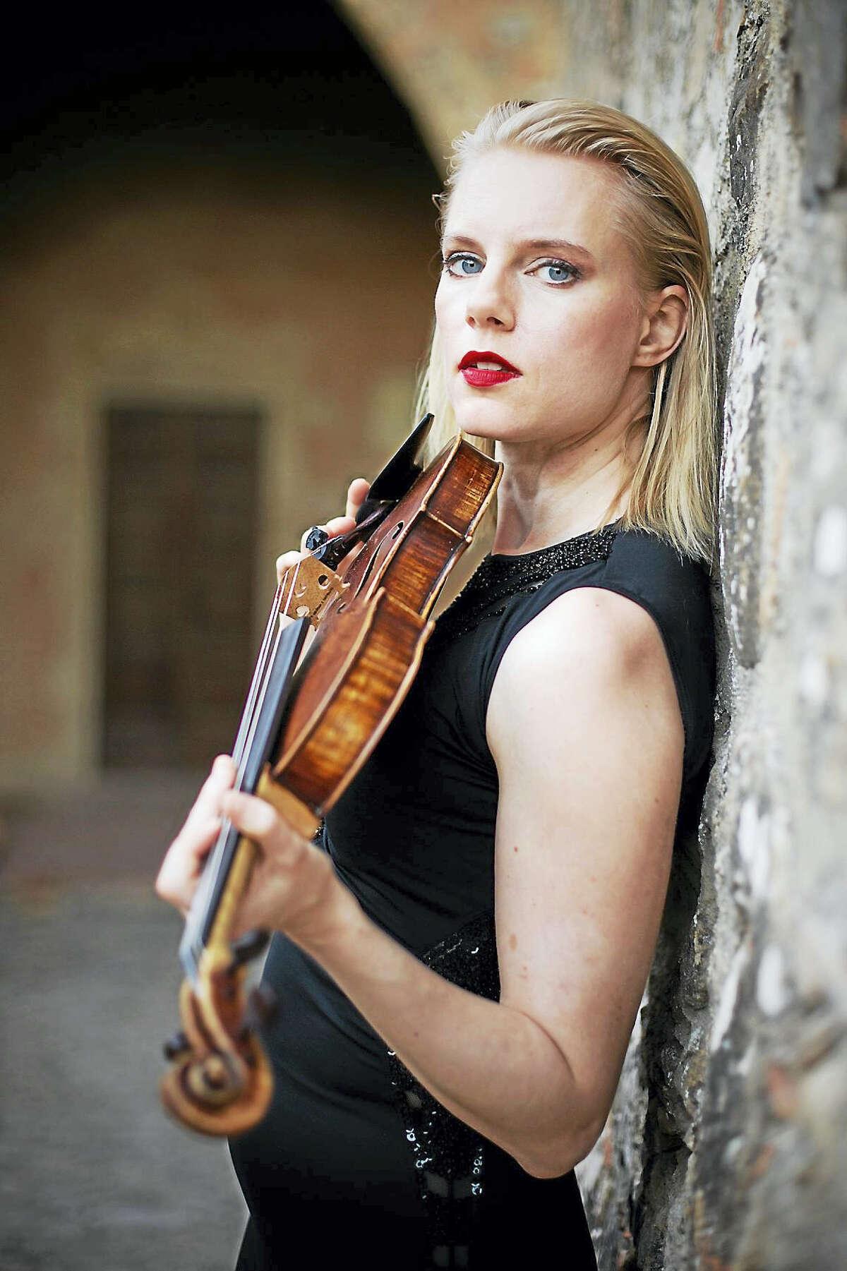 "Violinist Julie Eskar will play Robert Schumann's ""Violin Concerto"" Saturday."
