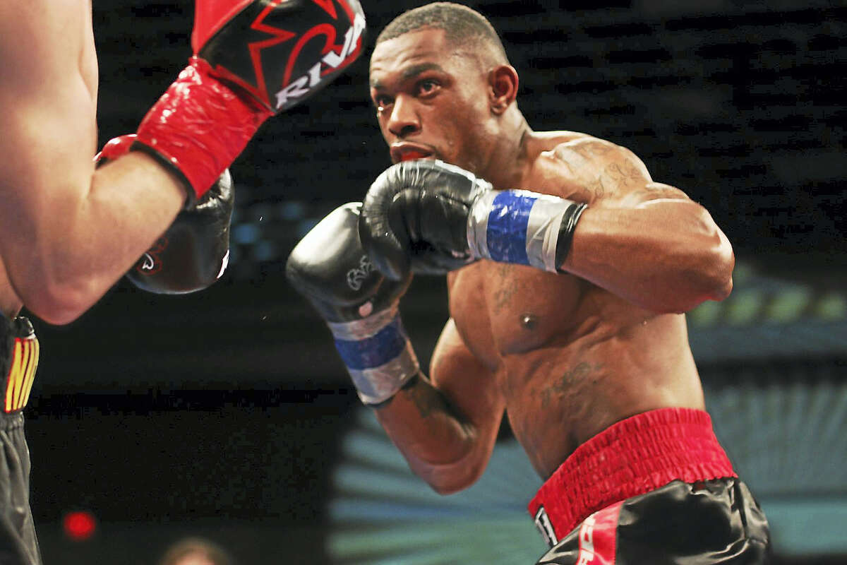 Jimmy Williams defeated Nick DeLomba by unanimous decision Friday night to win the WBC USNBC welterweight title.