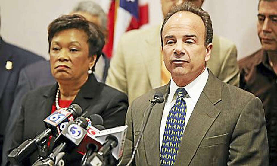 Bridgeport Mayor Joe Ganim at a press conference last year with New Haven Mayor Toni Harp Photo: Ctnewsjunkie File Photo