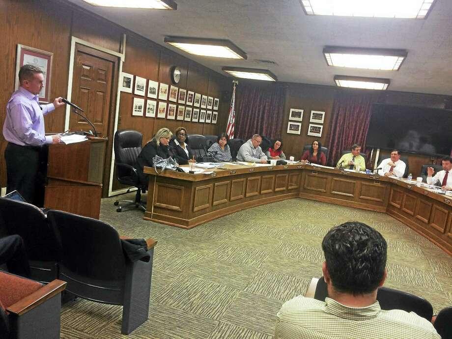 West Haven Finance Director Kevin McNabola addresses the City Council Monday night. Photo: Mark Zaretsky — New Haven Register