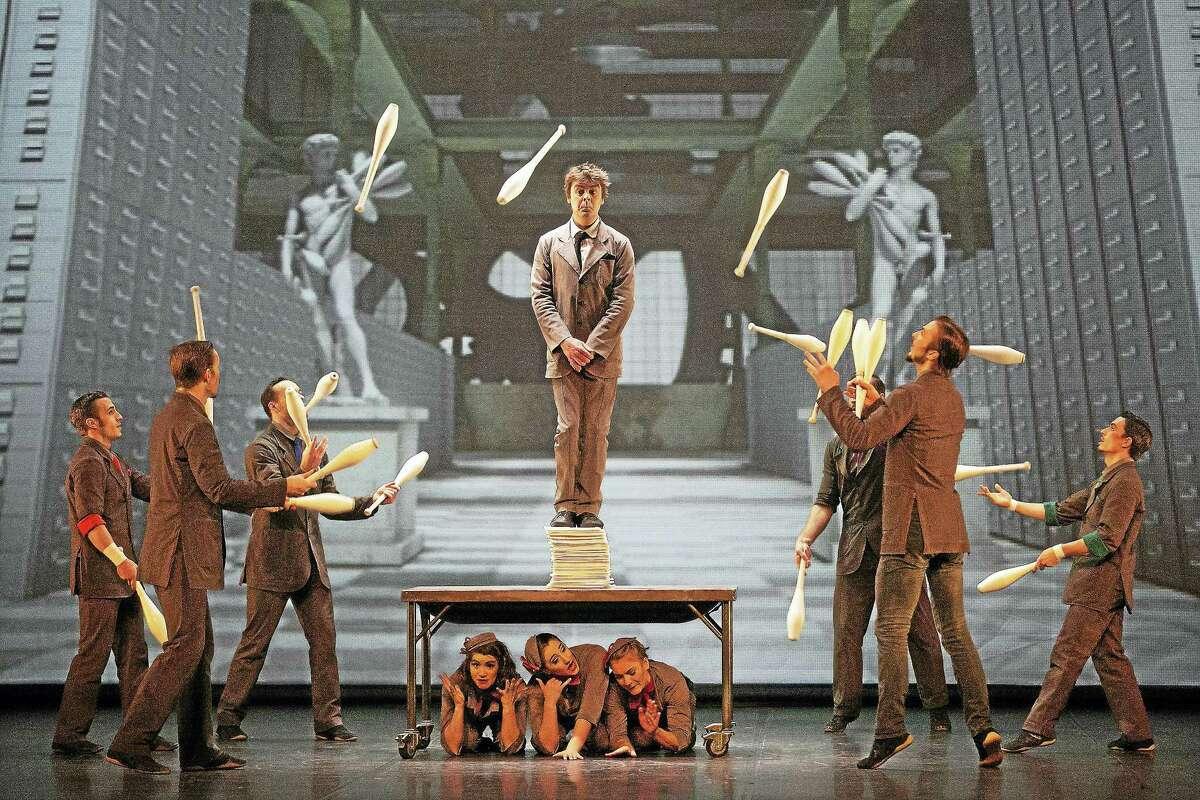"""Jugglers in """"Cirkopolis"""" by Cirque Eloize."""