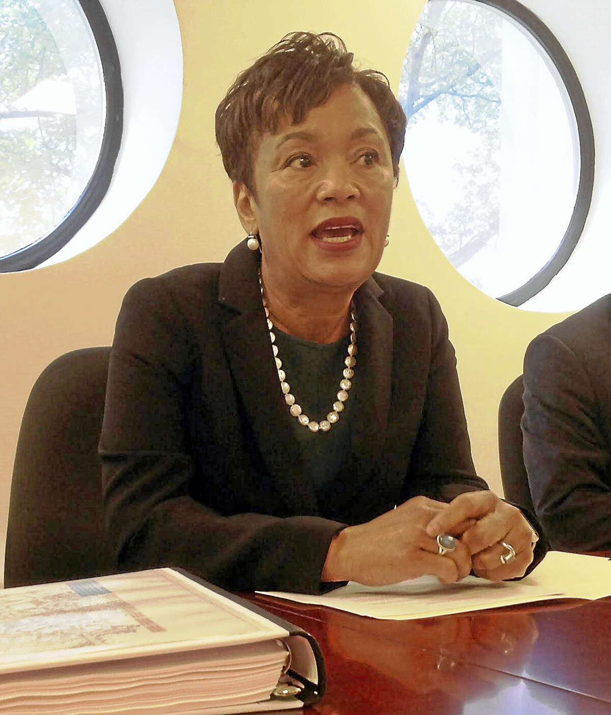 New Haven Mayor Toni N. Harp makes a point during an editorial board meeting with the New Haven Register.