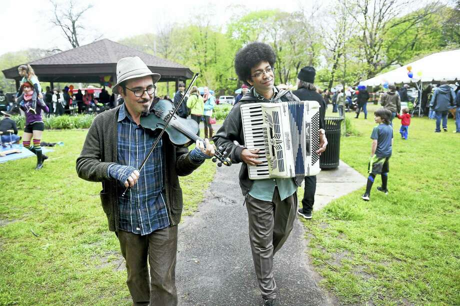 Strolling music at last year's festival. Photo: Arnold Gold — New Haven Register