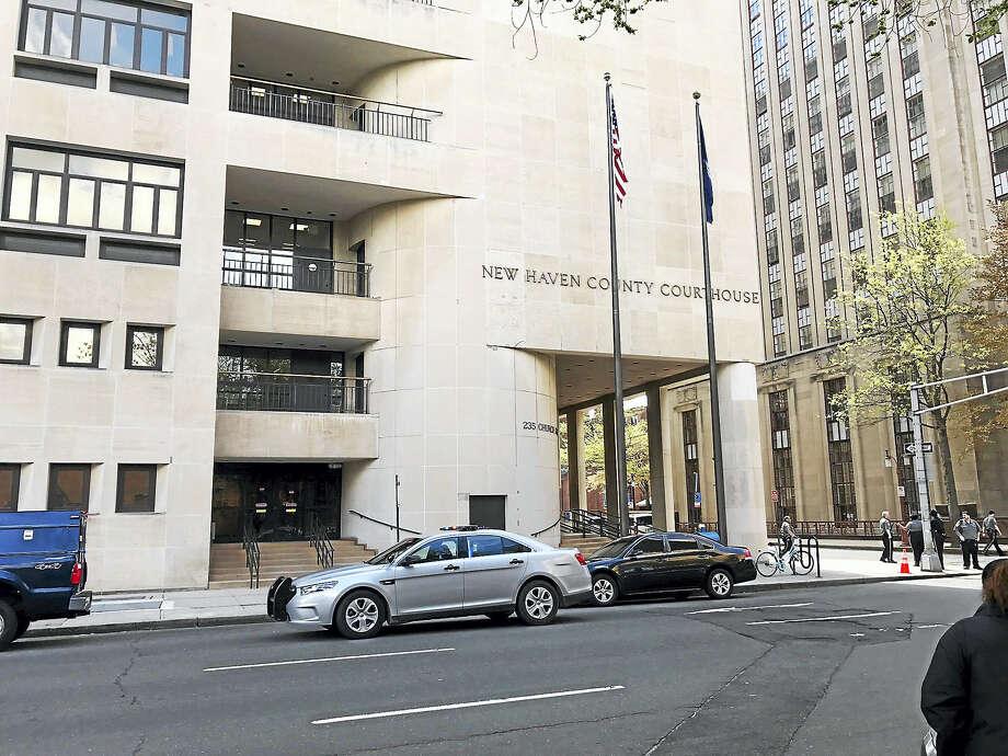 The New Haven courthouse Photo: Esteban Hernandez — New Haven Register