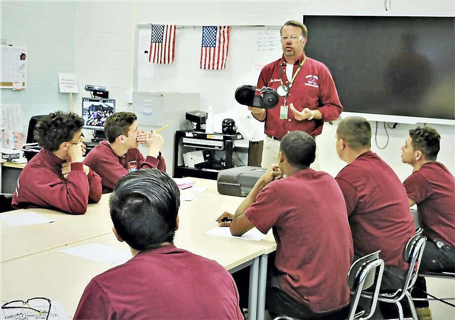 Kraig Swanson teaches class at Emmett O'Brien. Photo: CONTRIBUTED PHOTO — LUCY CORRARO, EMMETT O'BRIEN