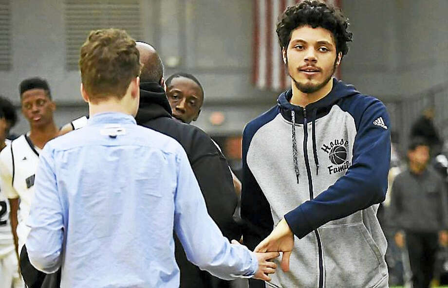 Hillhouse remains No. 1 this week and has won six straight games despite losing leading scorer Joey Kasperzyk, right, to a wrist injury. Photo: Peter Hvizdak — The New Haven Register