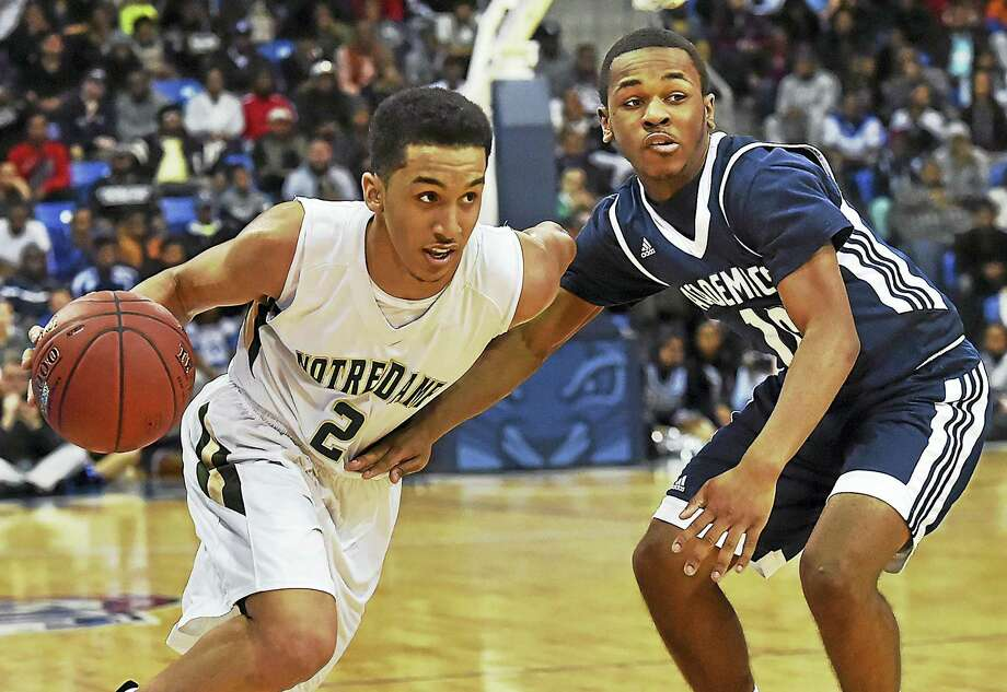 New Haven's Tremont Waters, left, has committed to play basketball at LSU. Photo: Register File Photo   / Catherine Avalone/New Haven Register