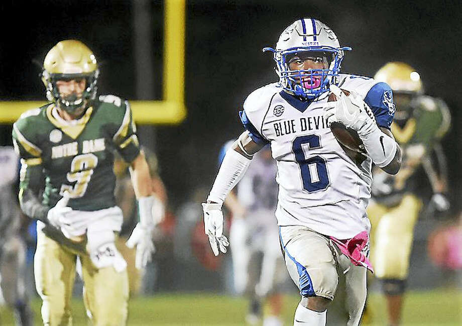 West Haven running back Anthony Godfrey runs for 78 yards to score a touchdown against Notre Dame defeating the Green Knights, 36-13, on Oct. 21 at Veterans Memorial Field in West Haven. Photo: Catherine Avalone — New Haven Register / New Haven RegisterThe Middletown Press