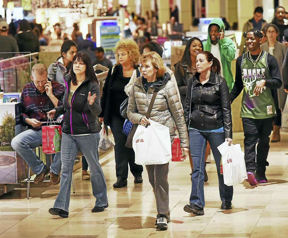 Shoppers turned out at the Connecticut Post Mall in Milford for Black Friday. Photo: Catherine Avalone — New Haven Register   / New Haven RegisterThe Middletown Press