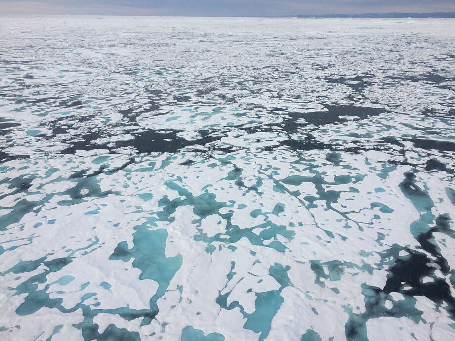 Melting sea ice in the Kane Basin between Greenland and Canada's Ellesmere Island. MUST CREDIT: Washington Post photo by Chris Mooney. Photo: The Washington Post / THE WASHINGTON POST