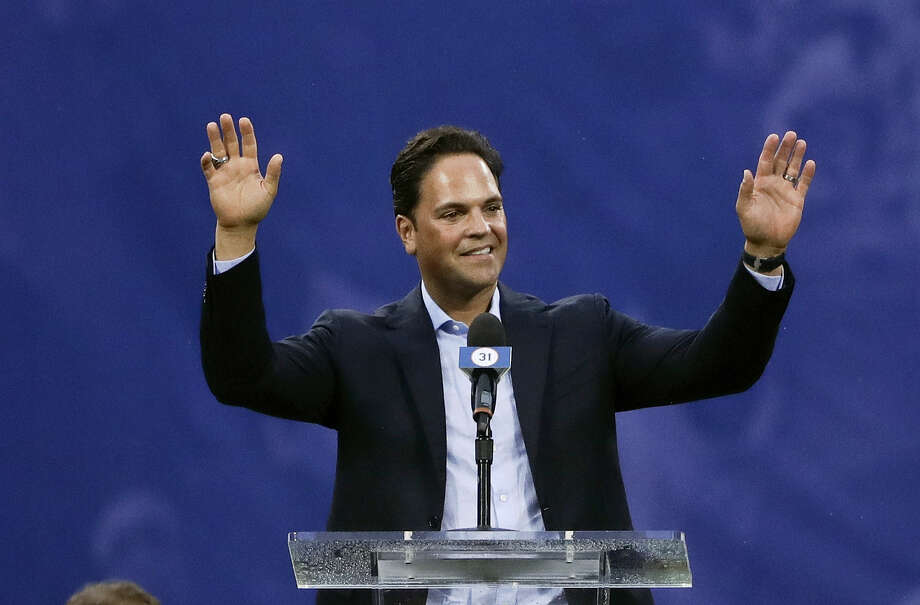 Former New York Mets catcher Mike Piazza speaks during a ceremony to retire his jersey number before a game between the Mets and the Colorado Rockies Saturday in New York. Photo: Frank Franklin II — The Associated Press   / Copyright 2016 The Associated Press. All rights reserved. This material may not be published, broadcast, rewritten or redistribu