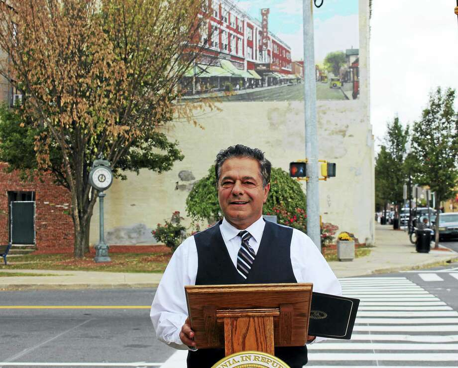 Ansonia Mayor David Cassetti held is second Mayor's Night Out on Thursday. Photo: Jean Falbo - New Haven Register