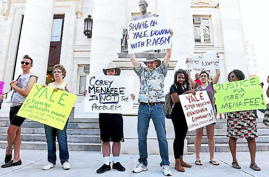 Supporters of Corey Menafee rally Tuesday in front of Superior Court in New Haven. Photo: Arnold Gold — New Haven Register
