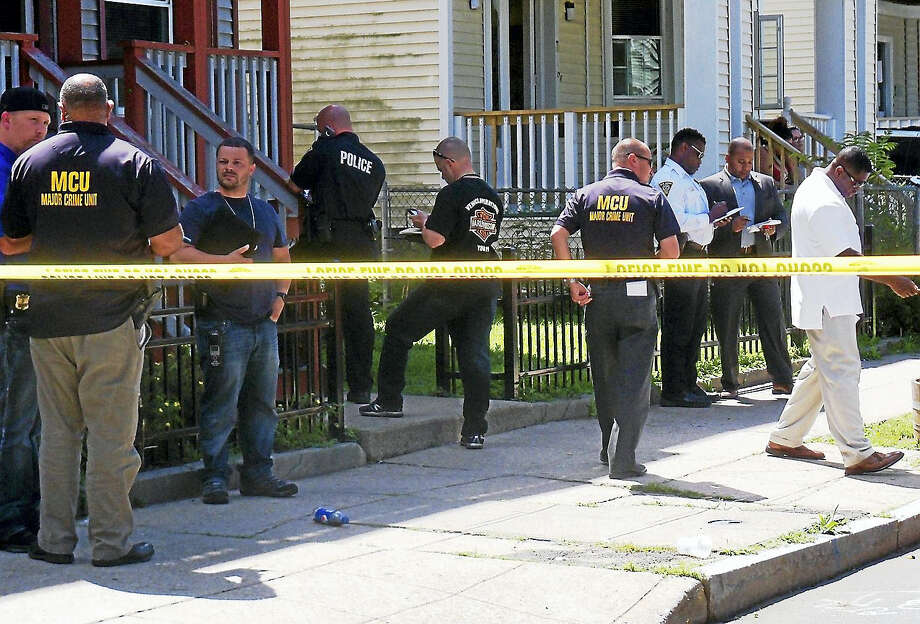 New Haven police were investigating after a shooting late Wednesday morning that left one person in the hospital. Photo: (Wes Duplantier/The New Haven Register)