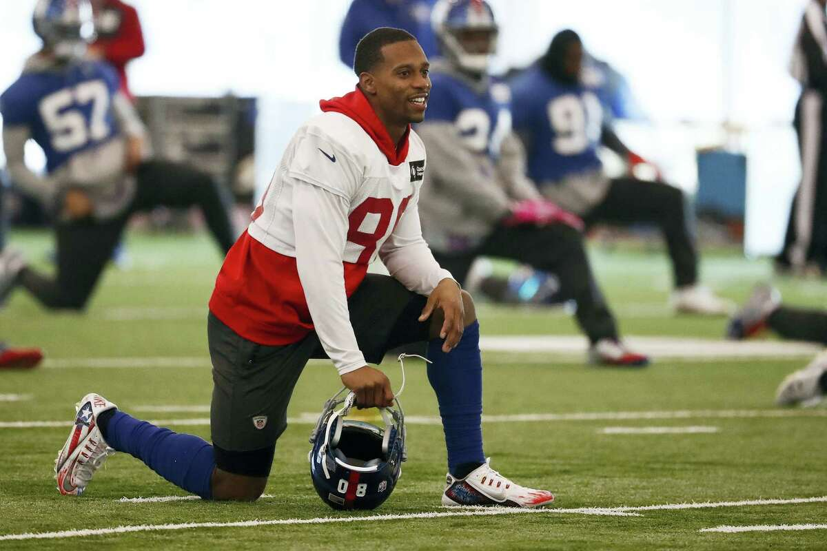 Giants wide receiver Victor Cruz works out during a recent practice.