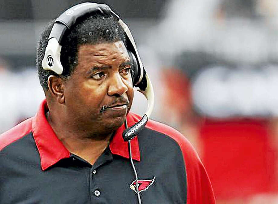 In this Sept. 24, 2006, file photo, Arizona Cardinals head coach Dennis Green watches from the sidelines during the first half of an NFL game against the St. Louis Rams in Glendale, Ariz. Green, a trailblazing coach who led a Vikings renaissance in the 1990s and also coached the Arizona Cardinals, has died. He was 67. Green's family posted a message on the Cardinals' website on Friday, July 22, 2016,  announcing the death. Photo: AP Photo/Rick Hossman, File    / 2006 AP