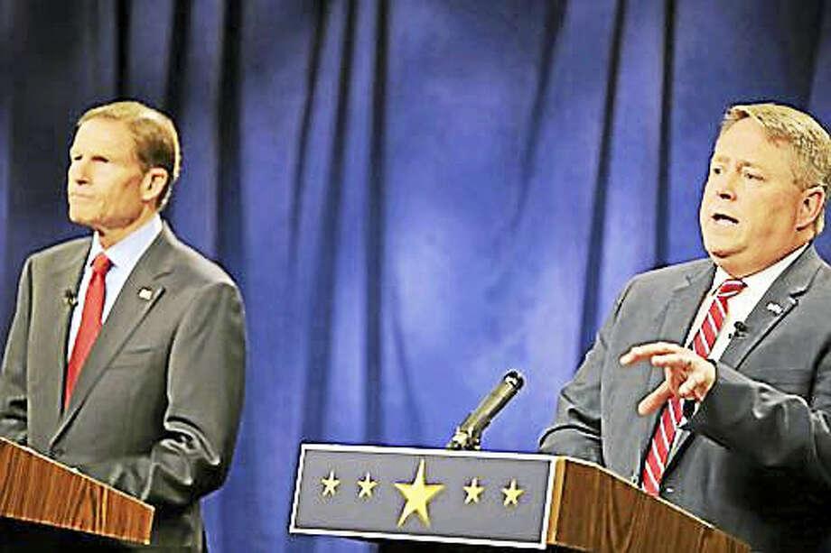 Dan Carter and U.S. Sen. Richard Blumenthal debate Sunday at WFSB studios in Rocky Hill Photo: CHRISTINE STUART — CT NEWS JUNKIE