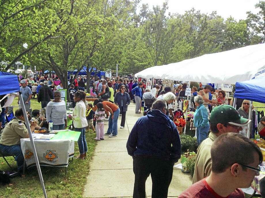 A scene from 2014's West Haven Apple Festival. Photo: CONTRIBUTED PHOTO — John Ciambriello