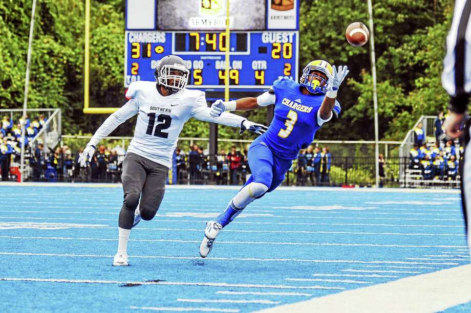 Photo courtesy of UNHTy Headen, a receiver, is savoring the time he has left playing for the New Haven Chargers. Photo: Geoffrey Bolte /... / © 2016 Clarus Studios Inc.