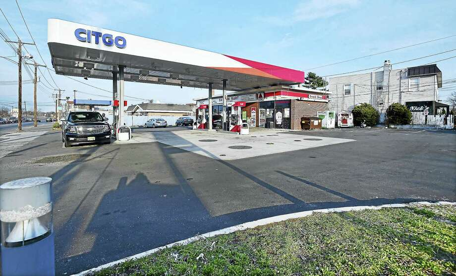 The Citgo gas station at the corner of Elm Street and First Avenue in West Haven. Photo: Catherine Avalone — New Haven Register FILE PHOTO    / New Haven RegisterThe Middletown Press