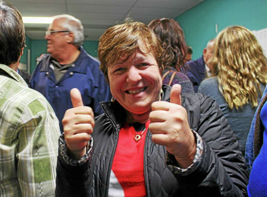 Derby Mayor Anita Dugatto gives a thumbs-up. Photo: Jean Falbo-Sasnovich — New Haven Register File Photo